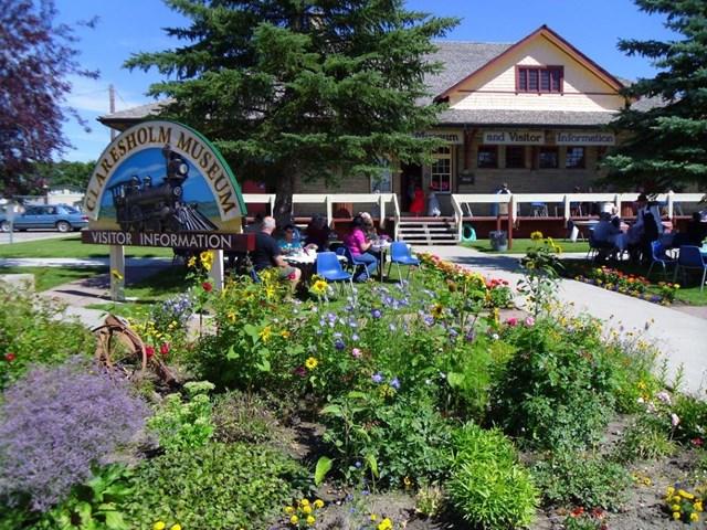 Фото Кларешем (Claresholm), провинция Альберта, принимает заявления на иммиграцию через Сельский и Северный Иммиграционный Пилот (Rural and Northern Immigration Pilot)